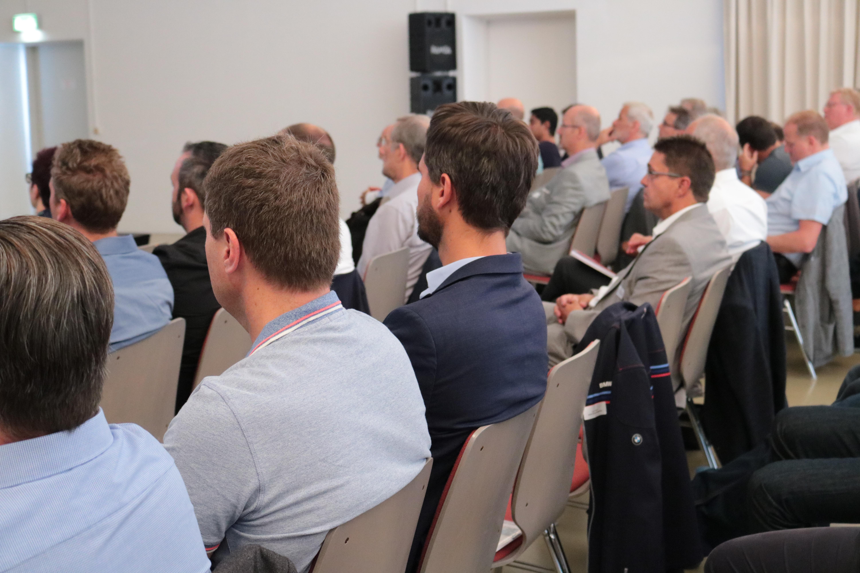 Praxistag: Smart Maintenance Teilnehmer bei Vortrag